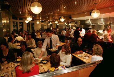 چگونه رستوران ها با استفاده از موسیقی غذای خود را سرو می کنند!