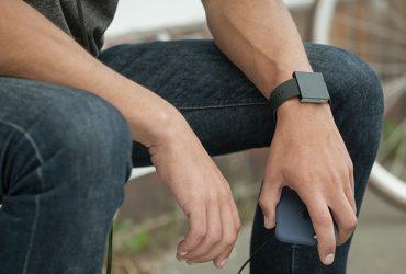 The Basslet اولین ساب ووفر سایز ساعت مچی در جهان