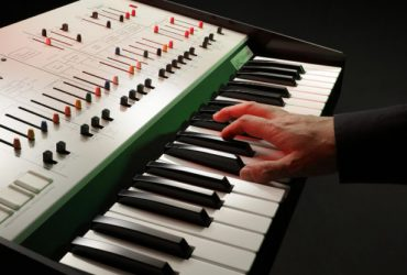 Korg انتشار مجدد سینتیسایزر کلاسیک خود ARP Odyssey را تأیید کرد