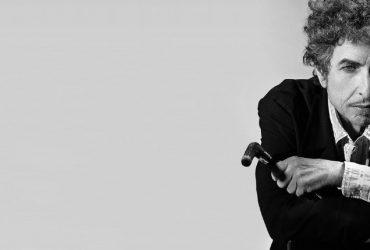 انتشار اولین آلبوم سه گانهی کلاسیک باب دیلن بعد از کسب جایزه نوبل ادبیات