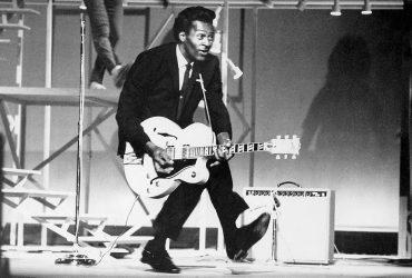 Chuck Berry یکی از بنیان گذاران موسیقی راک اند رول در سن 90 سالگی درگذشت