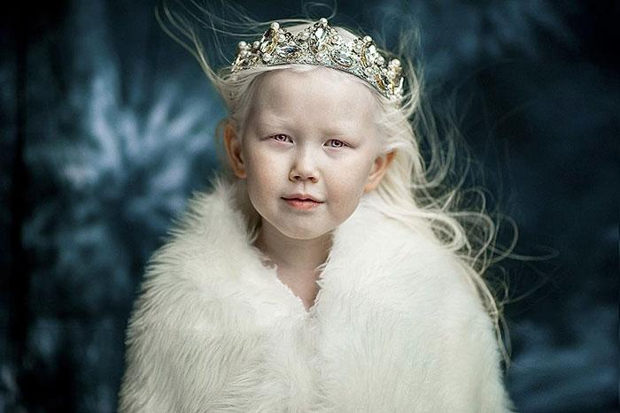 Nariyana دختر 8 ساله سفید برفی سیبری