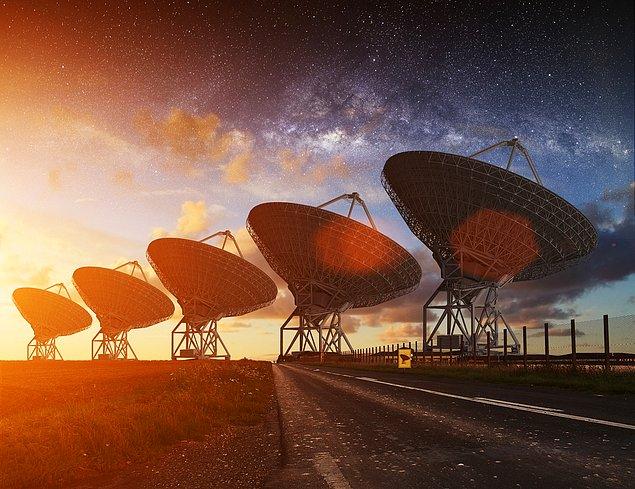 Image result for بیگانگان فضایی میان انسان ها