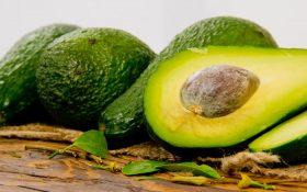 با 10 مورد از فواید آووکادو این میوه شگفت انگیز آشنا شوید