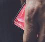Essential Phone در وسایل حمل و نقل عمومی دیده شد !!! + ویدیو