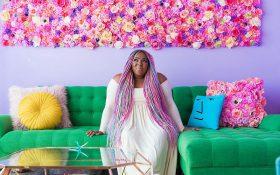 این زن با استفاده از تمام رنگ های دنیا خانه خود را طراحی کرده است !