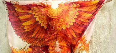 نقاشی با دست بر روی روسری های ابریشم اثر هنرمند لهستانی