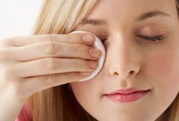 با 8 فواید شستن آرایش صورت قبل از خواب آشنا شوید !