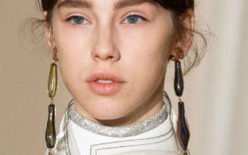 10 آرایش صورت و مدل موی برتر در طول هفته مد پاریس 2017