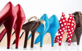 کفش های رنگی را چگونه با لباس های رنگی ست کنیم ؟