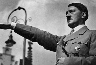 چهار عدد از نقاشی های هیتلر در حراجی لندن به قیمت 7500 پوند فروخته شد !