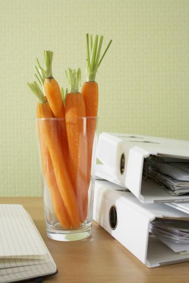 5 ماده غذایی مفید برای سلامت موها