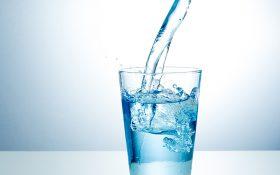 در روزهای گرم تابستان فقط آب بنوشید !