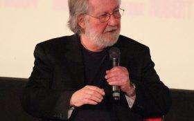 توبی هوپر کارگردان فیلم کشتار با اره برقی در تگزاس در 74 سالگی در گذشت