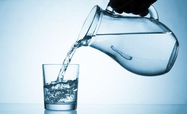 در روزهای گرم تابستان فقط آب بنوشید