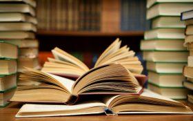 با 9 مورد از فواید کتاب خواندن در طول روز آشنا شوید