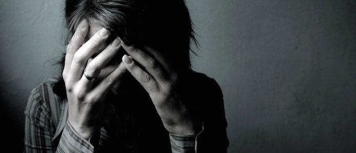 اثرات فیزیکی غمگین و ناراحت بودن
