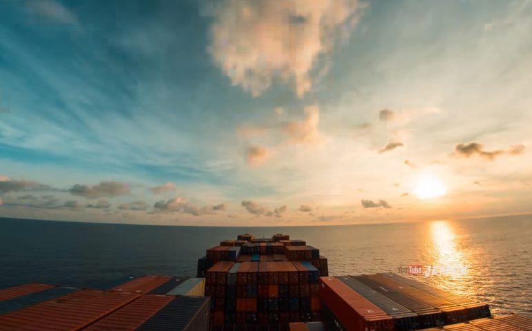 ویدیویی تایم لپس از 30 روز زندگی بر روی دریا