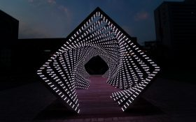 Accumulation ؛ تونلی عظیم الجثه با الگوهای جذاب نور اثر Yang Minhaby