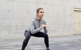 4 حرکت ساده ورزشی برای رهایی از چربی های ران و باسن در منزل !