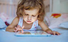 خطر نمایشگرهای دیجیتال برای کودکان زیر 2 سال بسیار جدی است !!!
