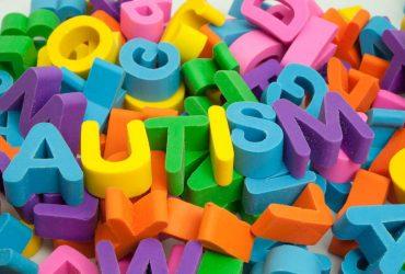 علائم اوتیسم را جدی بگیرید !!!