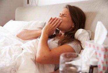 در زمستان با خوردن این مواد غذایی ضد سرما خوردگی سالم بمانید !