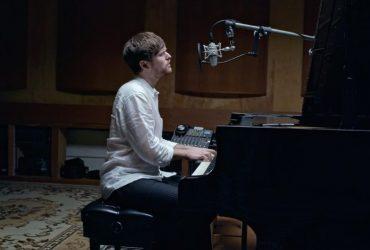 کاور بی نظیر آهنگ وینسنت از دون مک لین توسط جیمز بلیک را تماشا کنید