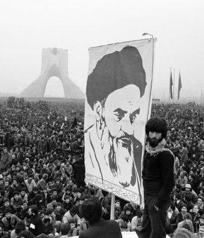 تاثیر موسیقی در پیروزی انقلاب اسلامی