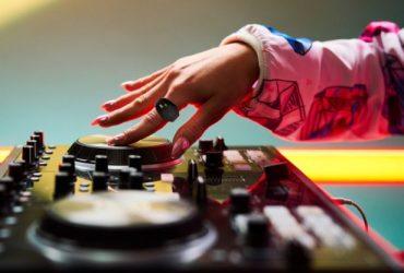 wave میدی کنترلر به سبک حلقه برای کنترل موسیقی با حرکات دست !