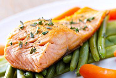 ویتامین D در چه مواد غذایی یافت می شود ؟
