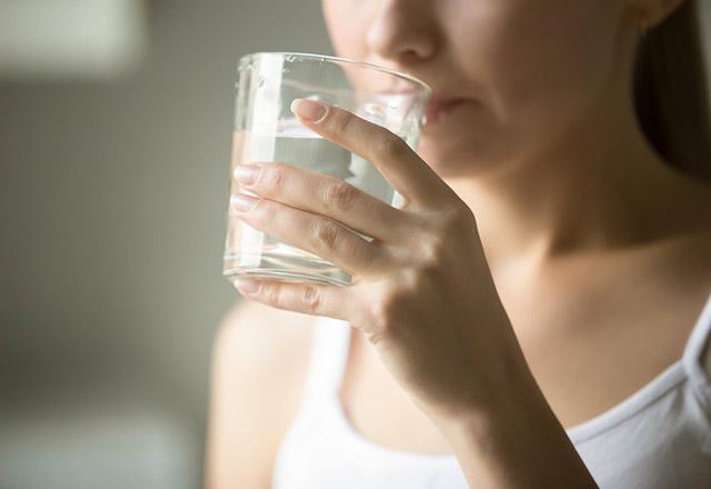 راههای افزایش نوشیدن آب در محیط های کاری
