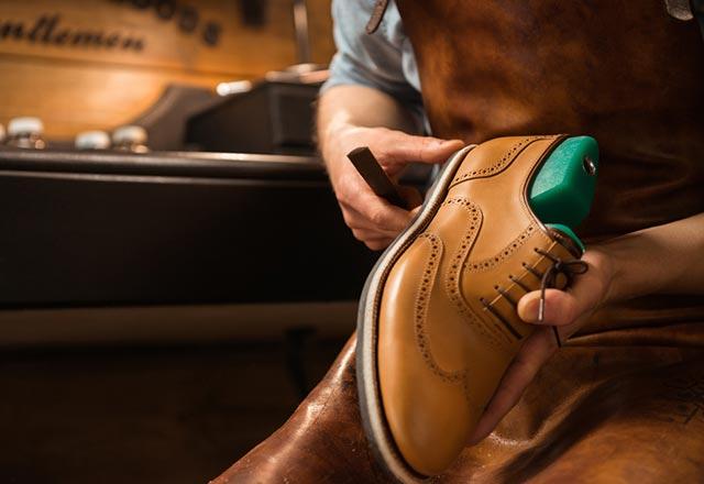 خرید کفش مناسب و رهایی از دردهای کمر و گردن