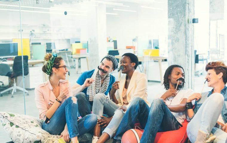 نشاط و سرزندگی در محل کار