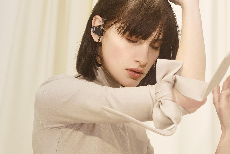 هدفون وایرلس B&O Play Earset با طراحی به سبک دهه 90 معرفی شد