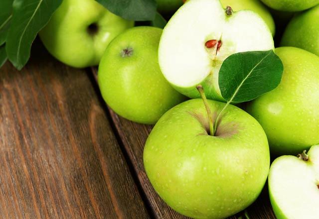 فواید خوردن سیب سبز به صورت ناشتا