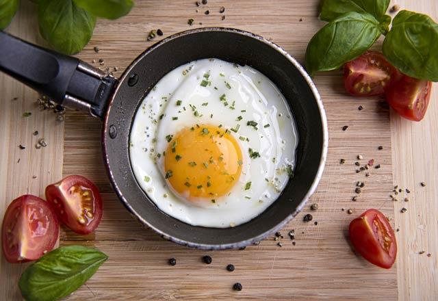 تخم مرغ خام یا پخته شده کدامیک مفید تر
