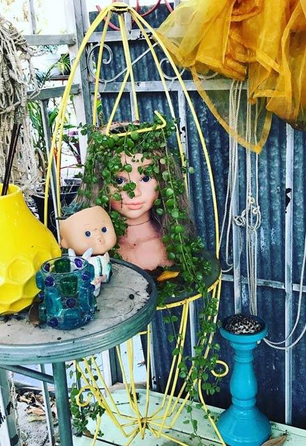 ساخت گلدان از عروسک های کهنه