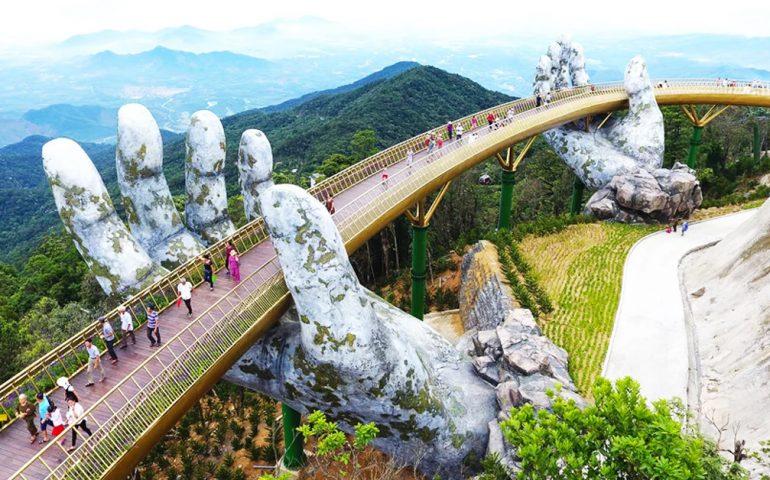 پل عابرپیاده در ویتنام