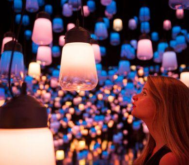 موزه ی هنرهای دیجیتالی توکیو بازدیدکنندگان را تبدیل به بخشی از هنر می کند!