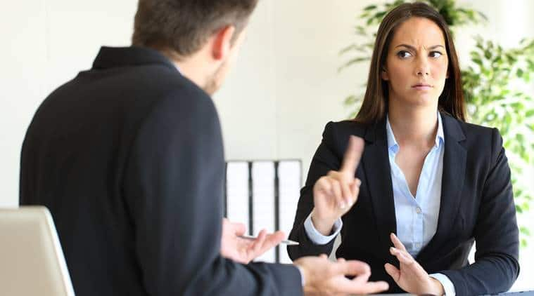 رازهایی که زبان بدن در محیط کار درباره ی شما افشا می کند!