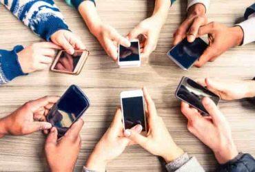 دلیل استفاده ی بیش از حد از گوشی های هوشمند در افراد چیست؟