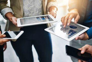 تاثیر جدایی فیزیکی و ارتباطات دیجیتالی بر روی روابط ما چگونه است؟