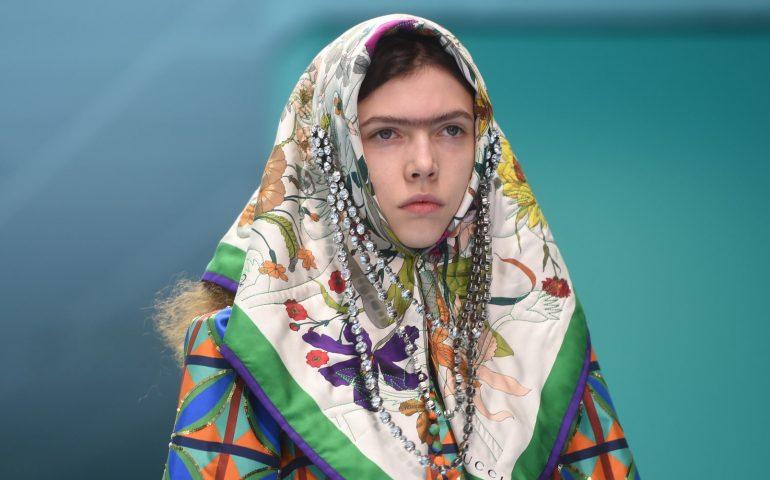 بت وارگی حجاب در صنعت مد