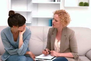 چه زمانی باید به روانپزشک مراجعه کنیم؟ همه ی دانستنی ها درباره ی روانپزشکی