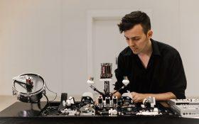 موسیقی تکنو ساخته شده توسط ربات