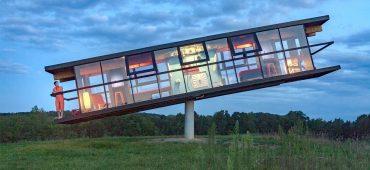 ReActor خانه ای در نوسان که شیب آن در اثرحرکت ساکنانش و یا نیروی باد تغییر می کند!