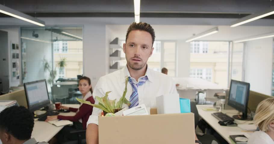 5 مرحله که به شما کمک می کند اضطراب ناشی از اخراج شدن را پشت سر بگذارید!