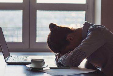چگونه رهبران و مدیران می توانند به مبارزه با افسردگی شغلی کمک کنند؟