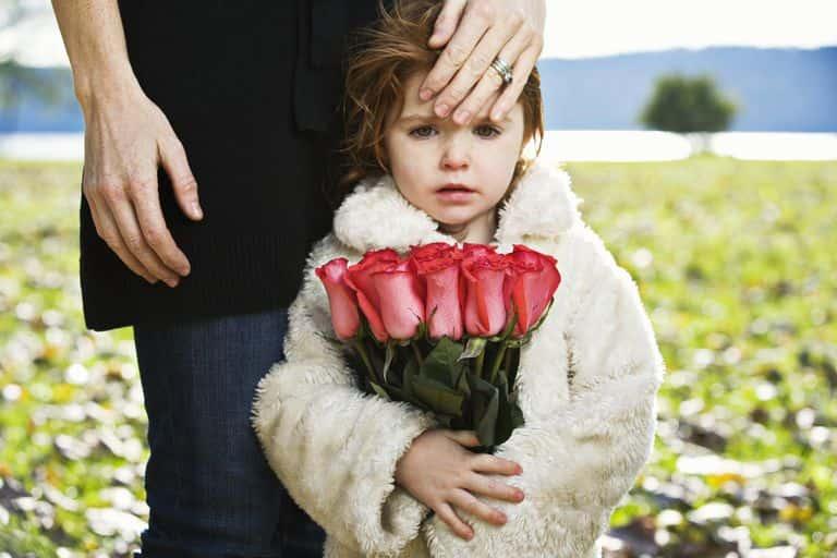 توضیح مفهوم مرگ برای کودک ؛ 4 مفهومی که کودکان حتما باید آنها را بدانند!
